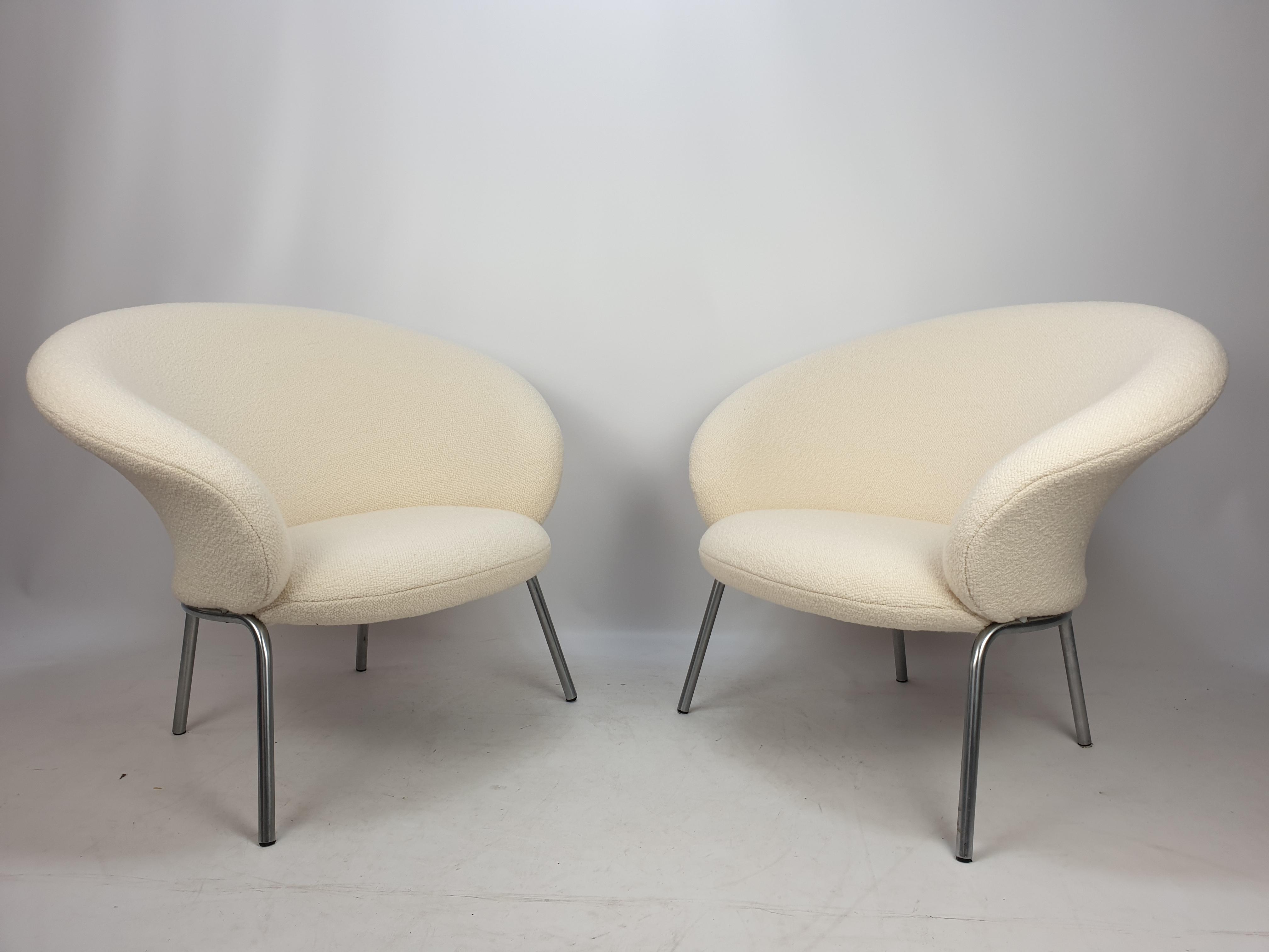 Artifort F570 Chairs by Pierre Paulin