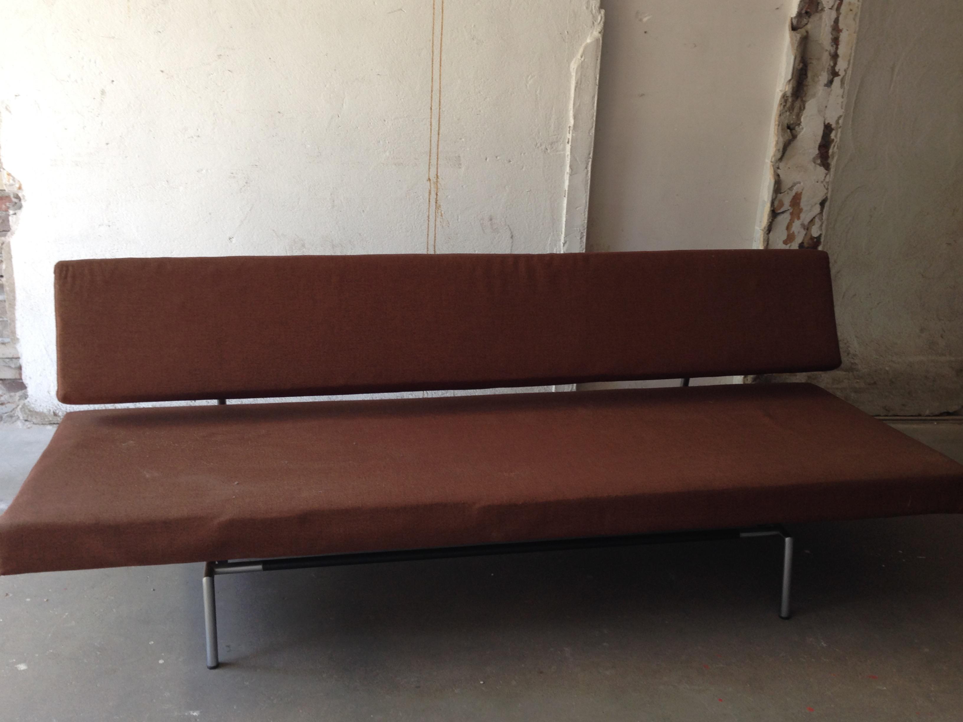SOLD - Spectrum (Sleep) Sofa. Designed by Martin Visser in 1960. - SOLD